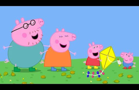 Peppa Pig jugando con su cometa se divierte muchísimo