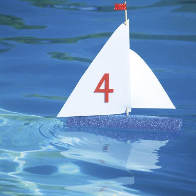 Hacer veleros para jugar en verano