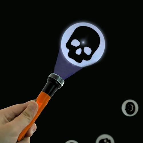 Hacer linternas de Halloween con proyecciones terroríficas