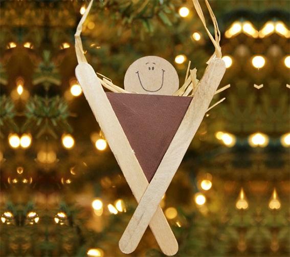 Manualidad de Navidad para niños , hacer pesebre con palos de polo